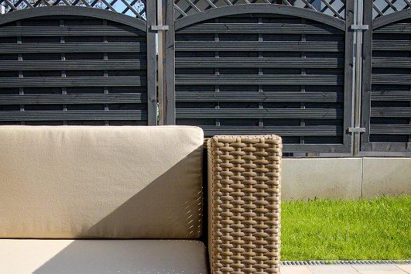 Elegáns barna teraszburkolatok
