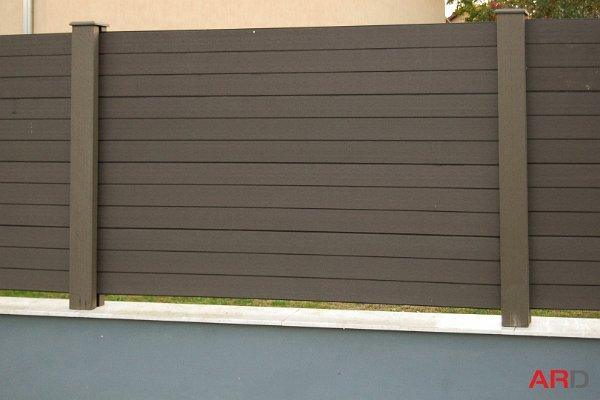 WPC oszlopok és kerítés panelek