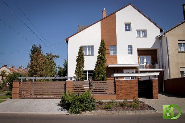WPC kerítés családi házhoz