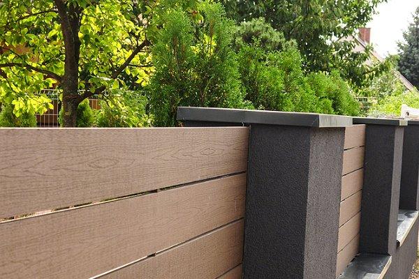 WPC kerítéselemek 570 cm-es szálhosszban